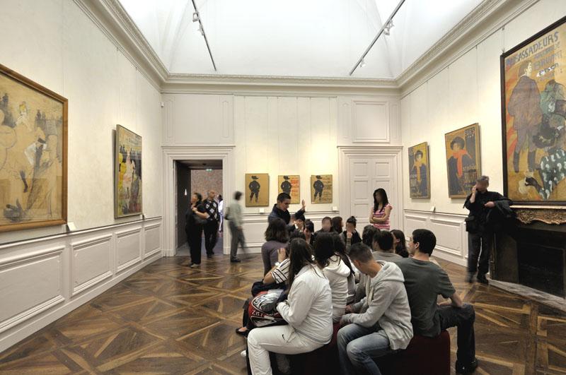 Salle des affiches, Le spectacle © cliché F.Pons, Musée Toulouse-Lautrec, Albi, France